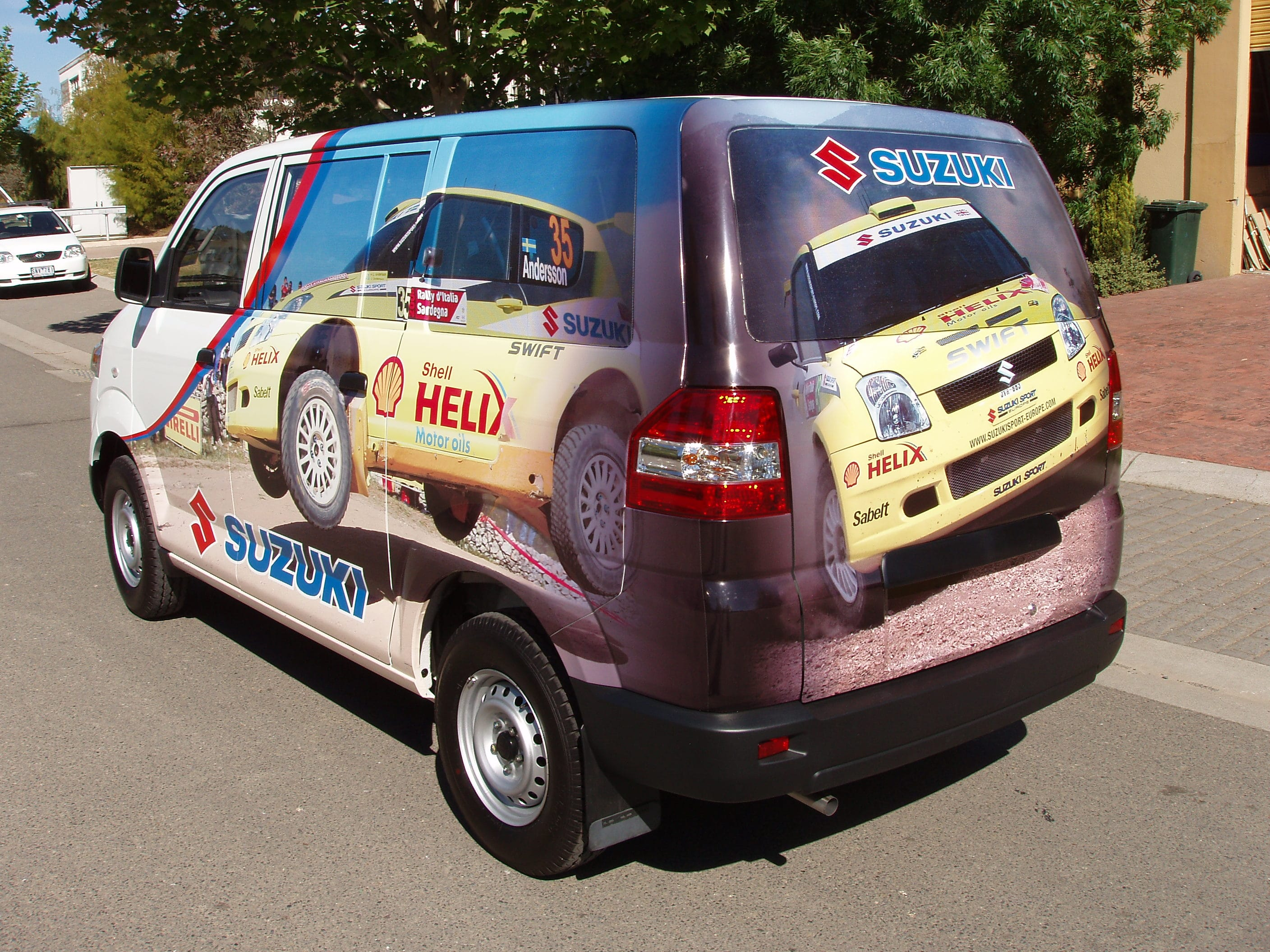 Van team Suzuki vehicle signage