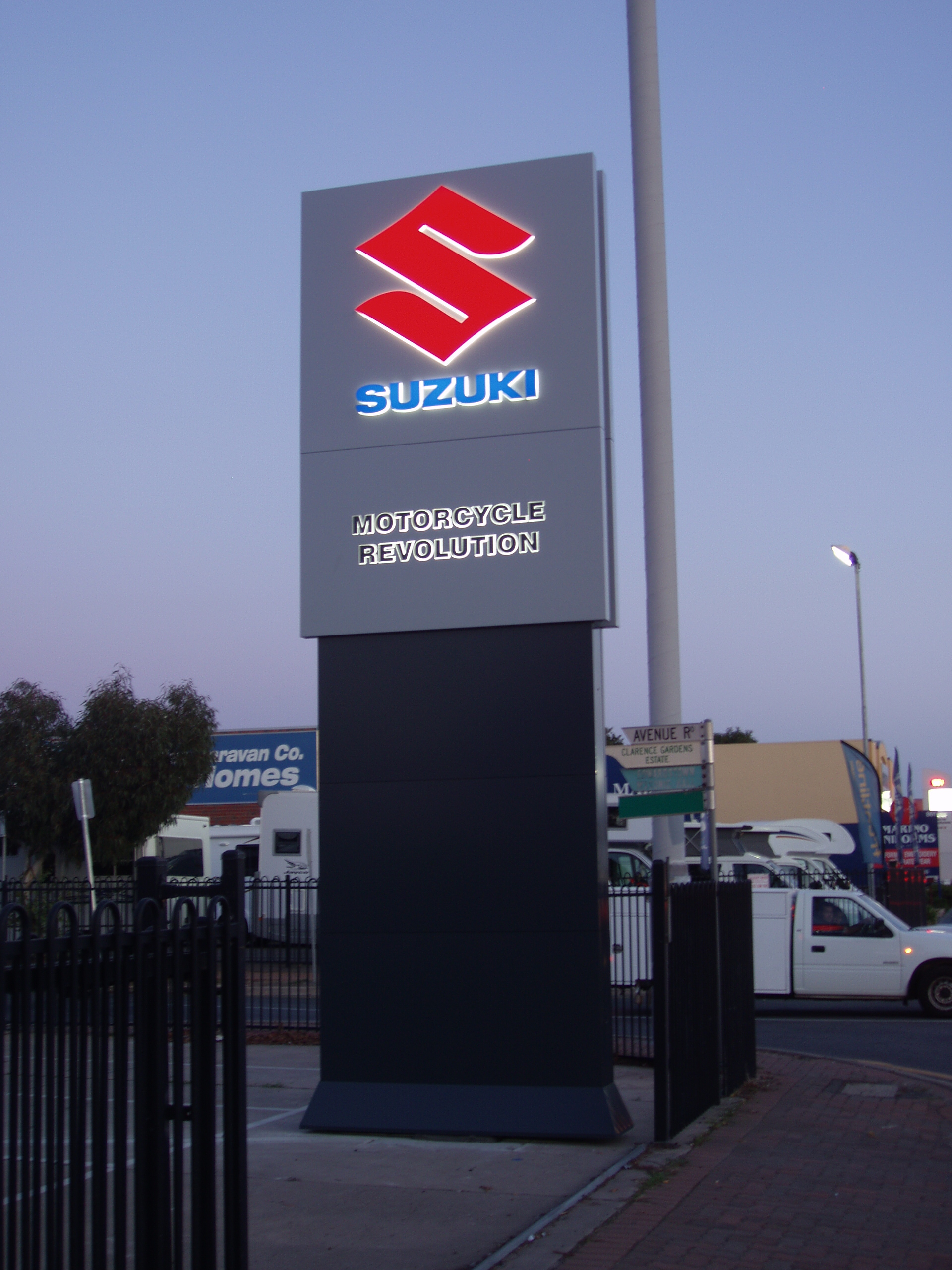 suzuki illuminated pylon signage