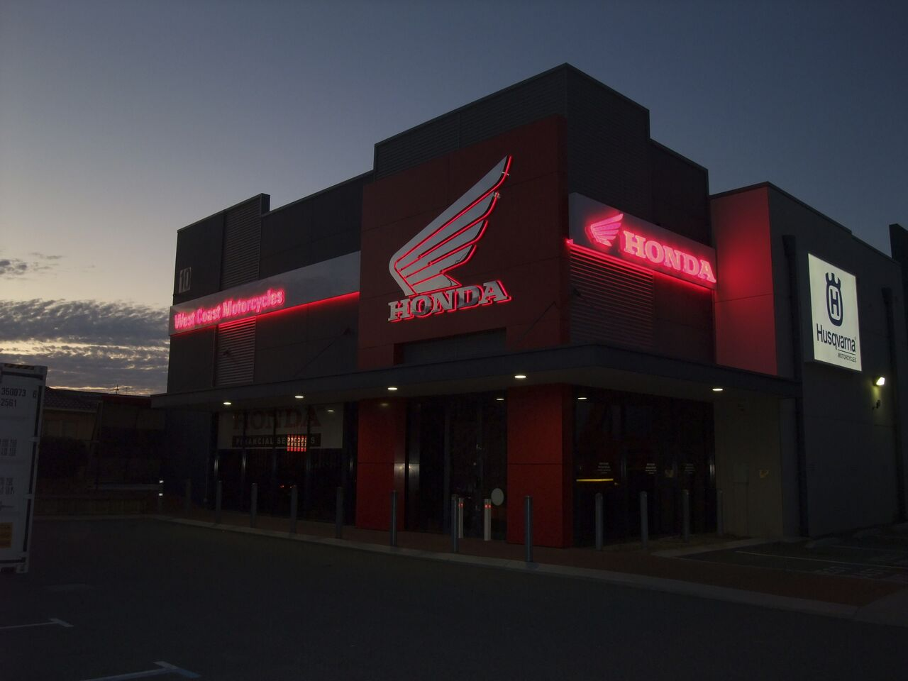 westcoast Honda Perth Honda illuminated Signs