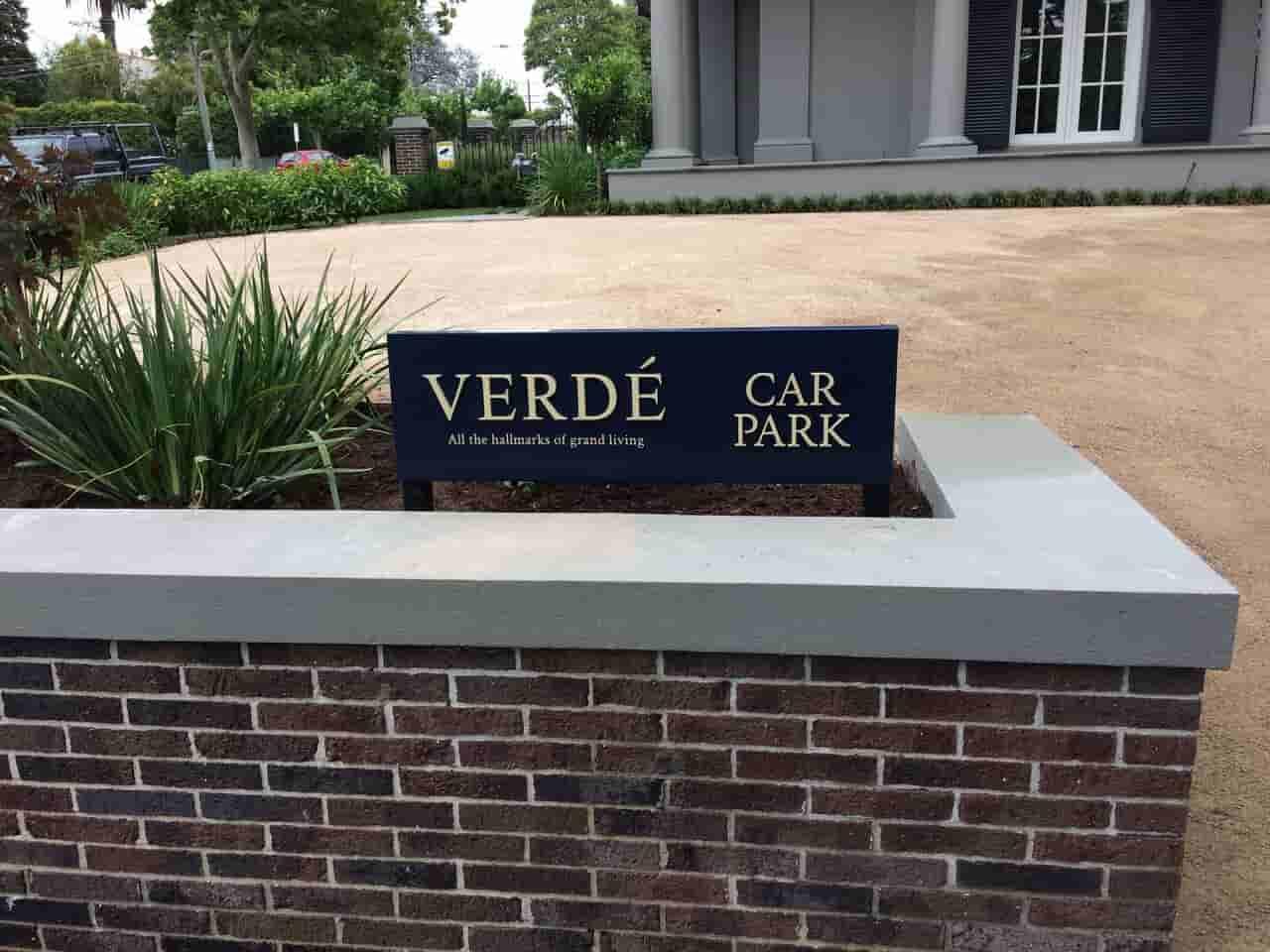 garden signs verde car park