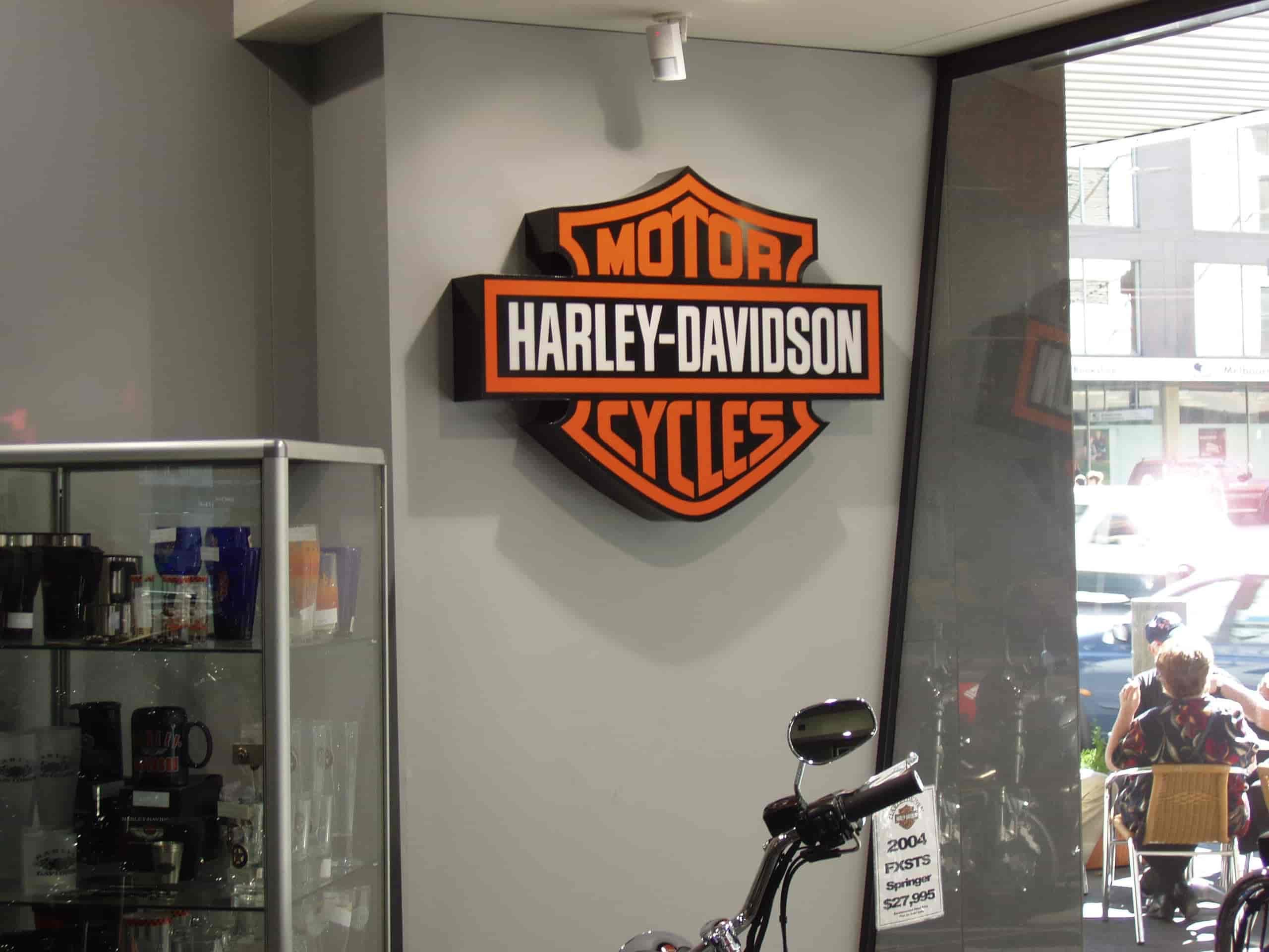 shop signage melbourne harley davidsons cycles